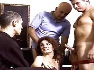 """""""threesome For Hotwife Swapper"""""""