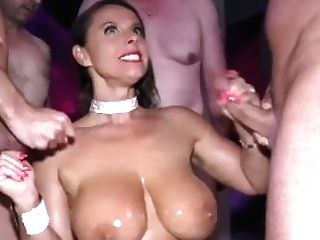 Big-chested Cougar Sexy Susi Buttfuck Group Banged