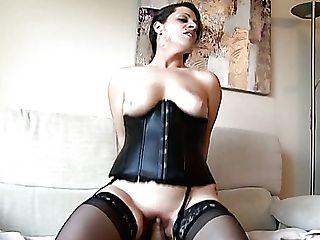 Dark Haired Bimbo Luna Rodriguez Fucks A Horny Man On The Couch