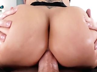 Dee Williams Gets Anal Invasion From Mike Adriano And Gulps