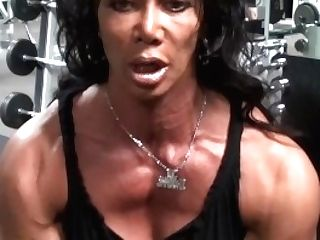 Dynamic Delts Gym Pro Workout With Latia Del Riviero, Sport Experienced