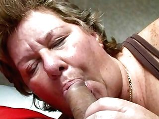 Matures Tramp Sucking A Tastey Manmeat